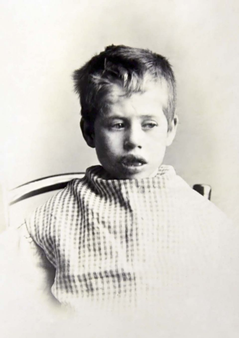 harry emmett child aged 9 bradford 1899 sm.jpg