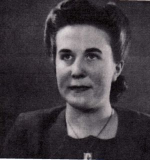 Dorothy Bitton 1946. Dorothy Arrived At Menston In 1931 Her Father Was George Bitton Farm Bailiff 1931 - 1954