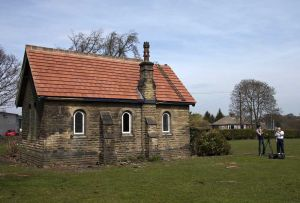 Buckle Lane chapel late April  2010