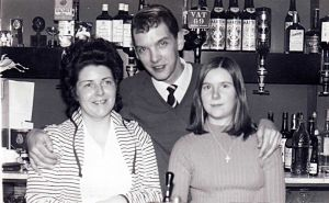 Jeff Robshaw first social club steward 1971 sm.jpg