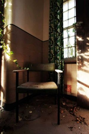 Asylum Chair