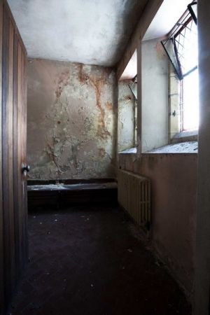 Male retiring room